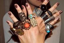 Accessories / by Juliane Raposo
