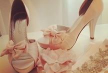 ∵∞ Wedding Ideas ∞∵ / Wedding Dresses, Bridal Shower, Bachelorette Party, Rings,  Engagement,  Ideas, Fun! / by 💕  Chimmerz 💕