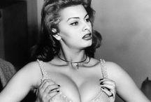 Classic Era / Old Hollywood Glam / by Caprisha Spence💋