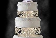 WEDDING CAKES & GOODIES