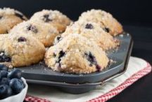 MUFFIN LOVERS / Great for breakfast or anytime snacks! Who doesn't love muffins?! :)
