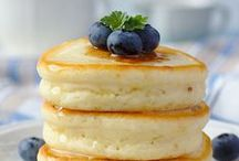 PANCAKE LOVERS / Pancakes, a piece or a mountain full of fresh fruits, chocolate syrup and nuts, brightens any day! :)