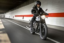 Moto Guzzi V7 Stone / This represents the entry level model to the range, more for the versatility of its style than for essentiality in its equipment.
