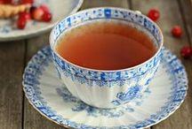 Tea Time / A l'heure du thé / Vous aimez l'heure du thé, les jolies théières, les scones et les petits gâteaux ? Venez découvrir ce joli tableau.  Do you like tea time, pretty teapots, scones and cookies ? Come and discover this board.