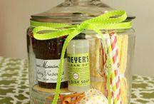 Gift Ideas / by Laura Florek