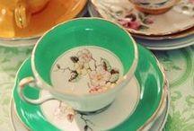 Tea and all its glory / Tea, tea and more tea.