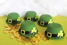 Holidays - St Patrick's Day / It's time to go green for St Patrick's Day.  If planning an event, these St Patrick's Day party ideas will sure to please, including crafts, gifts and kids activities.  Tips, tricks and inspiration.