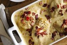 Chicken Recipes / Celebrate chicken with delicious, easy recipes that your entire family will love.
