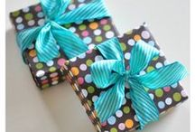 craft : wrapping and bows  / by erin laturner
