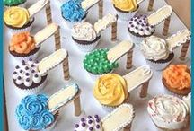 Cool Cupcakes / Which Cupcakes do you think are cool? Do you like flower cupcakes, fancy cupcakes, cartoon, animal, character or any cupcakes as long as they are pretty?