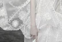White / All things white, white weddings.