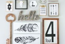 Gallery Displays / Lovely gallery wall displays with tons of ideas. Beautiful gallery walls.