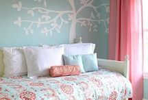 Kids rooms / Kids bedroom decor ideas | Colorful bedrooms for kids | How to decorate tween room / by Marie {Blooming Homestead}