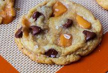 Food-cookies and bars / by Cari Shalla