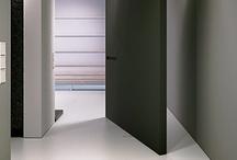 Doors / door   deur   om opening af te sluiten   kamerdeur   kastdeur   garagedeur   huisdeur   zo gek als een deur
