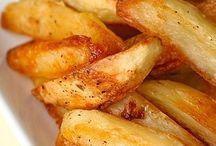 Food-potatoes / by Cari Shalla