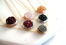 Vitrine Jewels / Druzy, gemstone and Birthstone jewelry that I make with love!