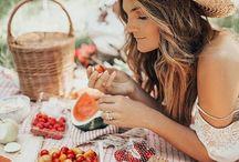 P i c n i c s / ''Nothing's better than a picnic.'' - Zooey Deschanel