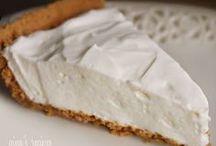 Skinny Desserts / by Jazmin Smith