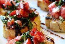 Foods + Recipes / by Rachel Pruitt