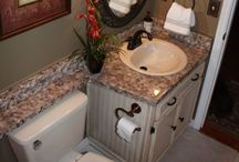 Small bathrooms / by Kimberly Jordan