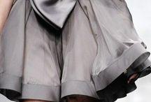 Black, White, & Gray ♡ / #allblack #blackclothes #blackoutfits #allblackoutfit #fashion #style #chic #edgy #grayclothes #whiteclothes #blackclothes