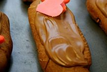 Sweet Valentine's Day Treats / Spread the love with these amazing Feb 14 recipes / by Anyonita