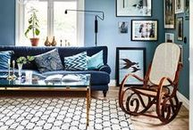 home / living room / Interiors and home decor that I love! Living rooms. Chesterfield armchairs, walls covered with picture frames, blue velvet, oriental rugs, odd chairs, wooden floors, patterned wallpapers, old things and everything blue. Eclectic, boho, vintage, Scandinavian and William Morris.
