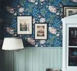 home / hallway / Interiors and home decor that I love! Chesterfield armchairs, walls covered with picture frames, blue velvet, oriental rugs, odd chairs, wooden floors, patterned wallpapers, old things and everything blue. Eclectic, boho, vintage, Scandinavian and William Morris.