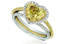 Sunny Yellow Diamonds™ / Natural Fancy Color Yellow Diamonds set in Platinum