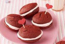 Valentine's Day Treats / Valentine's Day-inspired sweets for your sweetie.