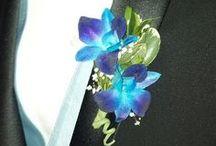 Flowers to Wear / We love when folks wear flowers - men, women and kids. How cute!