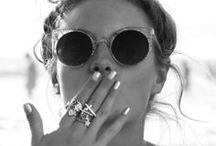 styling and accessories / Angie Harvey tarafından