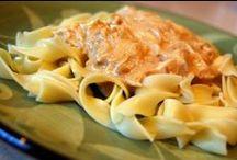 Main Dishes - Chicken (WW & Diabetes Friendly) / by Kristina Elmore