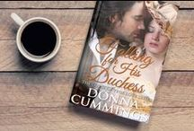 Falling for His Duchess / When a duke meets a vicar's daughter, he falls instantly in love—with a little help from the goddess Aphrodite. But the lady no longer believes in love. Can he change her mind? Book 3 of The Curse of True Love series.
