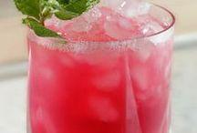 Drinks / by Kimberly Bene