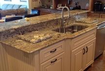 Kitchen Designs / Your dream kitchen inspiration.