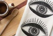 d e c o r / Home decor and gifts designed and made in the US. Made with sustainably and ethically sourced materials.