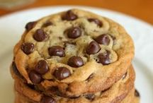 The Chocolate Chip Cookie Challenge / The #3CChallenge asked bloggers from all over the world to share their best chocolate chip cookie recipes. If you want to add yours, visit http://bit.ly/QBNJJX