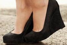Shoe Crushing So Hard / by Ellisha Johanabas