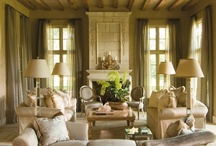 Living rooms / by Alexandra Danos