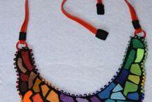 Collares, Necklace / Collares baberos,collares gargantillas, collares largos, collares con cadenas,   realizados en fieltro como soporte . con aplicaciones de telas, rasos, abalorios en gral.