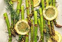 Food and Recipes / by Kelli Silva