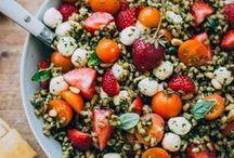 F O O D | salatliebe / Salat ist ein absolutes Lieblingsessen, egal, ob in der sommerlich-leichten Variante oder gehaltvoll im Winter. Und gesund ist es auch noch? Nix wie her mit den Salatinspirationen!