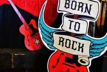 K I D S | rock star birthday party / Geburtstag feiern mit Motto? Meine Kinder lieben das. Und für dieses Jahr wünscht sich die Jüngste eine Rock Star Party.