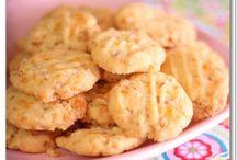 SWeeT ReCiPeS~CooKieS, CaKeS, PieS, BaRS, CaNDieS, SNaCKS / Sweets!