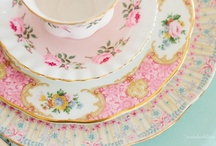 SiLVeR & CHiNa & LiNeNS / Silver and china. Linens and other dishes.