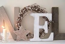 Christmas | Decor  / by Megan Kabakjian