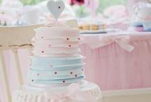 C U P C A K E R Y / Beautiful cupcakes, Gorgeous artistic cakes. Enjoy my darling pinterest friends :-) / by J a x