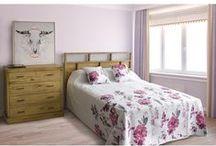 Cómodas / Cómodas con varios cajones para guardar ropa y objetos y decorar con estilo el dormitorio o el salón.
